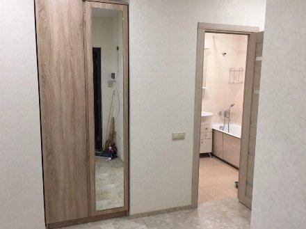 Сдам на длительный срок двухкомнатную квартиру на 10-м этаже 12-этажного дома площадью 57 кв. м. в Ярославле