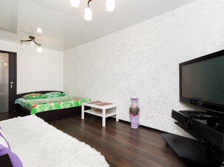 Сдам на длительный срок двухкомнатную квартиру на 2-м этаже 5-этажного дома площадью 37 кв. м. в Ярославле