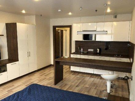 Сдам на длительный срок студию на 4-м этаже 5-этажного дома площадью 30 кв. м. в Краснодаре