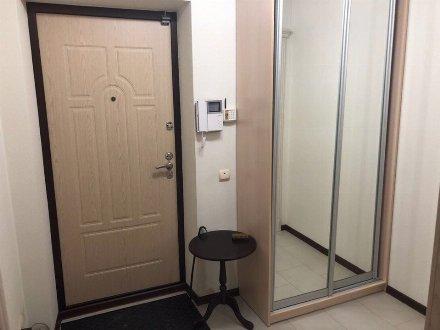 Сдам на длительный срок однокомнатную квартиру на 7-м этаже 10-этажного дома площадью 38 кв. м. в Краснодаре