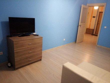 Сдам на длительный срок однокомнатную квартиру на 14-м этаже 23-этажного дома площадью 38 кв. м. в Москве