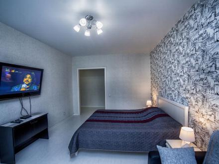 Сдам на длительный срок однокомнатную квартиру на 11-м этаже 16-этажного дома площадью 39 кв. м. в Москве
