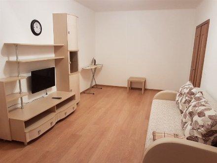 Сдам на длительный срок однокомнатную квартиру на 4-м этаже 9-этажного дома площадью 39 кв. м. в Ростове-на-Дону
