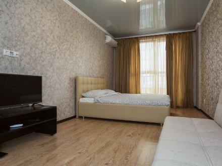 Сдам на длительный срок однокомнатную квартиру на 8-м этаже 17-этажного дома площадью 39 кв. м. в Москве