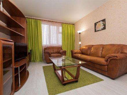 Сдам на длительный срок однокомнатную квартиру на 4-м этаже 9-этажного дома площадью 36 кв. м. в Мурманске