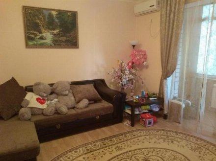 Продам однокомнатную квартиру на 2-м этаже 6-этажного дома площадью 42 кв. м. в Краснодаре