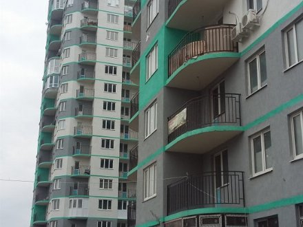 Продам двухкомнатную квартиру на 6-м этаже 16-этажного дома площадью 47 кв. м. в Краснодаре