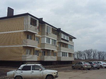Продам однокомнатную квартиру на 2-м этаже 3-этажного дома площадью 47 кв. м. в Краснодаре