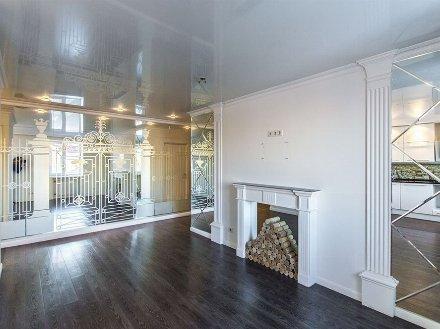 Продам трехкомнатную квартиру на 9-м этаже 9-этажного дома площадью 55 кв. м. в Екатеринбурге