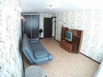 Сдам на длительный срок однокомнатную квартиру на 4-м этаже 9-этажного дома площадью 35 кв. м. в Майкопе