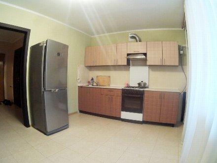 Сдам на длительный срок однокомнатную квартиру на 2-м этаже 5-этажного дома площадью 35 кв. м. в Майкопе