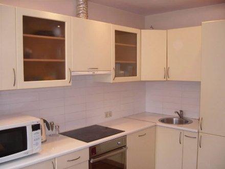 Сдам на длительный срок однокомнатную квартиру на 4-м этаже 10-этажного дома площадью 36 кв. м. в Хабаровске