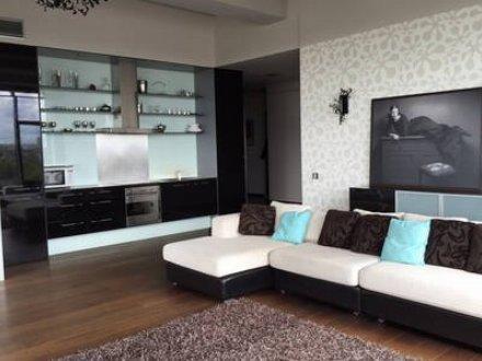 Сдам посуточно однокомнатную квартиру на 5-м этаже 19-этажного дома площадью 45 кв. м. в Хабаровске