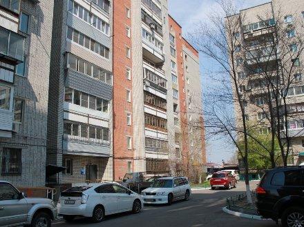 Продам четырехкомнатную квартиру на 2-м этаже 10-этажного дома площадью 86.7 кв. м. в Хабаровске