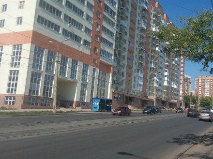 Продам трехкомнатную квартиру на 9-м этаже 16-этажного дома площадью 87 кв. м. в Самаре