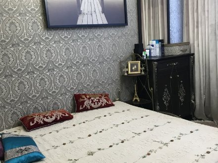 Продам двухкомнатную квартиру на 4-м этаже 16-этажного дома площадью 64 кв. м. в Москве