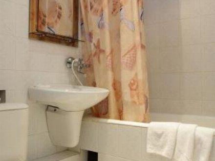 Сдам на длительный срок однокомнатную квартиру на 3-м этаже 5-этажного дома площадью 39 кв. м. в Екатеринбурге