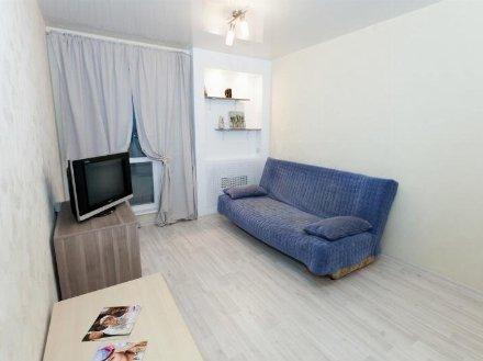 Сдам на длительный срок однокомнатную квартиру на 3-м этаже 3-этажного дома площадью 39 кв. м. в Екатеринбурге