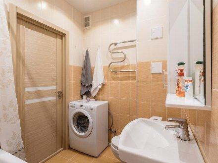 Сдам на длительный срок однокомнатную квартиру на 3-м этаже 6-этажного дома площадью 42 кв. м. в Екатеринбурге