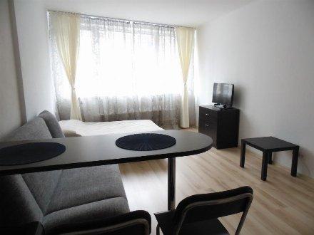Сдам на длительный срок студию на 3-м этаже 7-этажного дома площадью 32 кв. м. в Москве