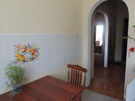 Сдам на длительный срок однокомнатную квартиру на 4-м этаже 9-этажного дома площадью 45 кв. м. в Томске