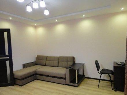 Сдам на длительный срок однокомнатную квартиру на 6-м этаже 9-этажного дома площадью 41 кв. м. в Томске