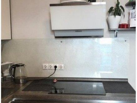 Сдам на длительный срок однокомнатную квартиру на 2-м этаже 5-этажного дома площадью 54 кв. м. в Тюмени