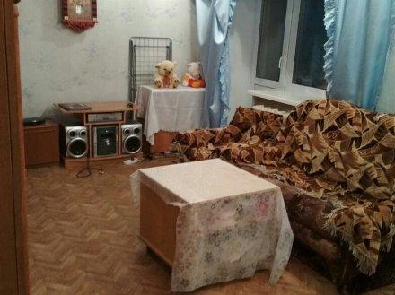 Продам двухкомнатную квартиру на 1-м этаже 3-этажного дома площадью 47 кв. м. в Чебоксарах