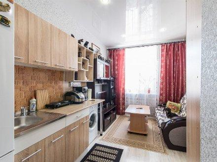 Продам однокомнатную квартиру на 1-м этаже 3-этажного дома площадью 15,4 кв. м. в Екатеринбурге
