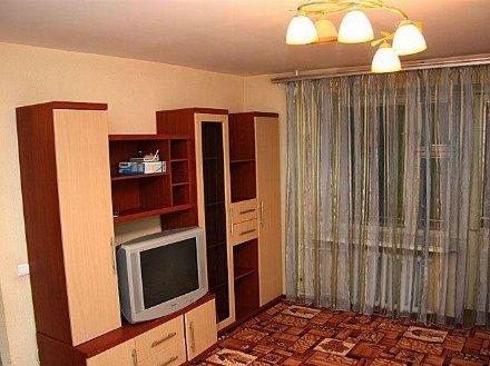 Сдам на длительный срок однокомнатную квартиру на 1-м этаже 1-этажного дома площадью 36 кв. м. в Томске