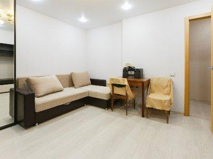 Сдам на длительный срок двухкомнатную квартиру на 5-м этаже 10-этажного дома площадью 56 кв. м. в Архангельске