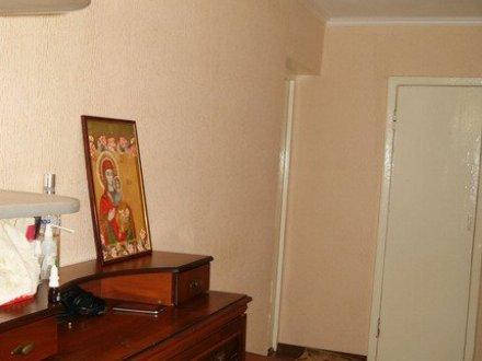 Продам трехкомнатную квартиру на 9-м этаже 10-этажного дома площадью 61.3 кв. м. в Ставрополе