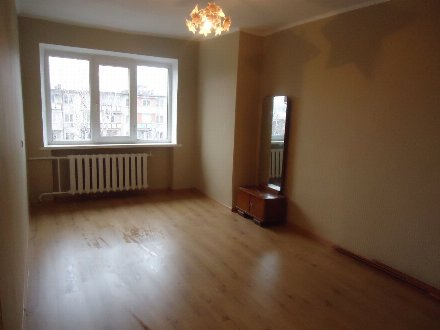 Продам однокомнатную квартиру на 5-м этаже 5-этажного дома площадью 30 кв. м. в Владикавказе