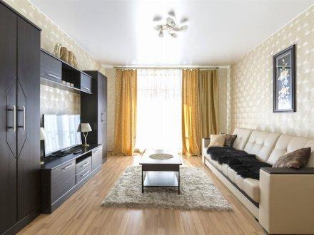 Сдам на длительный срок двухкомнатную квартиру на 10-м этаже 15-этажного дома площадью 45 кв. м. в Владивостоке