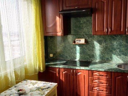 Продам однокомнатную квартиру на 16-м этаже 17-этажного дома площадью 38 кв. м. в Ярославле