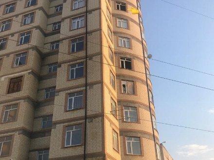 Продам двухкомнатную квартиру на 8-м этаже 12-этажного дома площадью 84 кв. м. в Махачкале