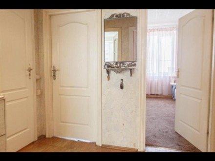 Продам трехкомнатную квартиру на 4-м этаже 6-этажного дома площадью 78 кв. м. в Санкт-Петербурге