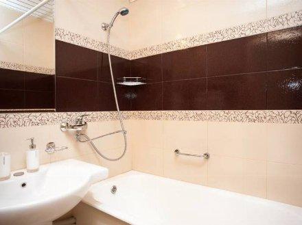 Сдам на длительный срок однокомнатную квартиру на 3-м этаже 5-этажного дома площадью 37 кв. м. в Биробиджане