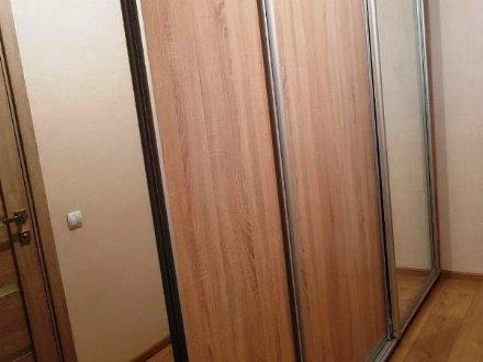 Сдам на длительный срок однокомнатную квартиру на 4-м этаже 9-этажного дома площадью 36 кв. м. в Хабаровске