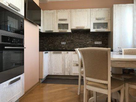 Продам трехкомнатную квартиру на 14-м этаже 17-этажного дома площадью 75 кв. м. в Москве