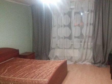 Сдам на длительный срок однокомнатную квартиру на 2-м этаже 5-этажного дома площадью 38 кв. м. в Калуге