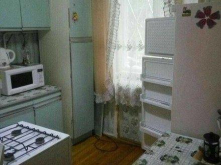 Сдам на длительный срок однокомнатную квартиру на 4-м этаже 5-этажного дома площадью 37 кв. м. в Калуге