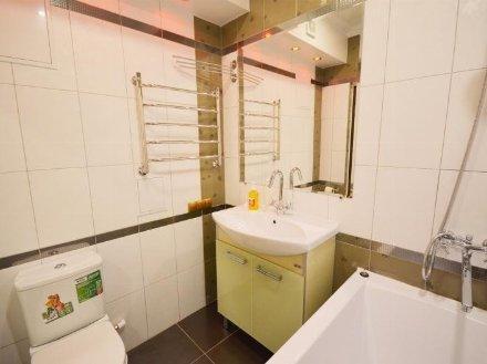 Сдам на длительный срок однокомнатную квартиру на 15-м этаже 25-этажного дома площадью 38 кв. м. в Москве