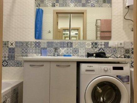 Сдам на длительный срок однокомнатную квартиру на 6-м этаже 9-этажного дома площадью 40 кв. м. в Москве