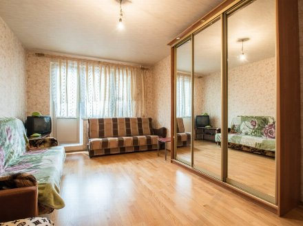 Продам трехкомнатную квартиру на 3-м этаже 14-этажного дома площадью 76 кв. м. в Москве