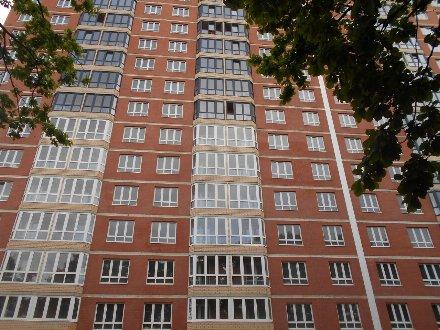 Продам однокомнатную квартиру на 2-м этаже 25-этажного дома площадью 42 кв. м. в Краснодаре