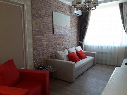 Продам двухкомнатную квартиру на 14-м этаже 24-этажного дома площадью 53 кв. м. в Краснодаре