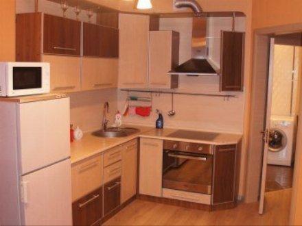 Сдам на длительный срок однокомнатную квартиру на 2-м этаже 5-этажного дома площадью 33 кв. м. в Кургане