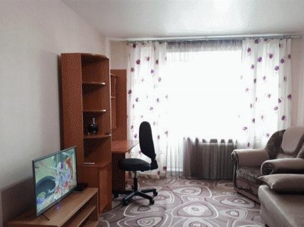 Сдам на длительный срок однокомнатную квартиру на 2-м этаже 5-этажного дома площадью 45 кв. м. в Кургане