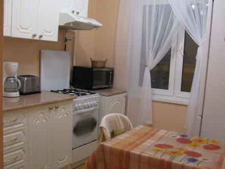 Сдам на длительный срок однокомнатную квартиру на 3-м этаже 14-этажного дома площадью 39 кв. м. в Хабаровске